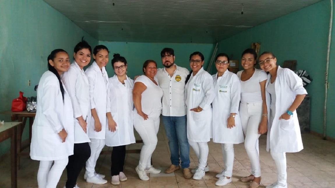 O cursos Técnicos em Enfermagem e de Radiologia promovem ação social em Belém